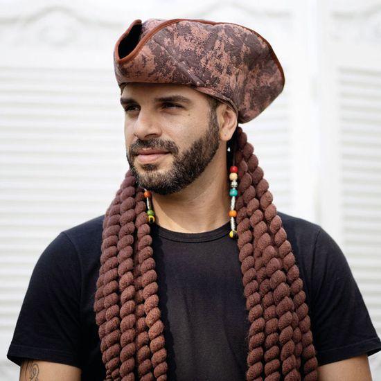 Peruca-com-Chapeu-Pirata